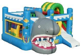 Haai multiplay springkasteel huren